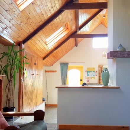 Horseshoe Cottage Beamed Ceiling Warren Farm Cottages